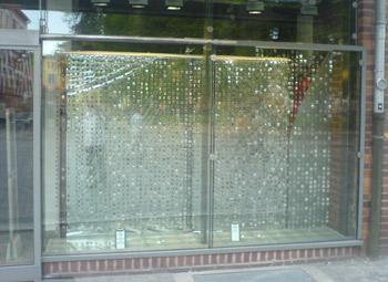 Leere Schaufenster in der Kröpeliner Straße