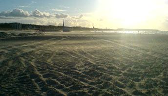 Sandsturm am Strand von Warnemünde: Der feine Sand ist fort