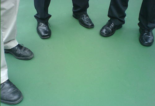Wem gehören welche Schuhe?