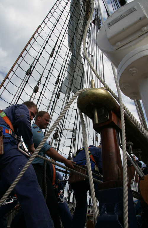 Seeleute an Bord der Gorch Fock