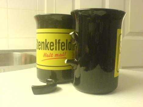 Zertrümmerte Stenkelfeld-Becher