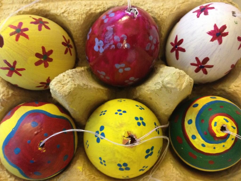 Rechtzeitig zum Fest: Neue Ostereier, zwei Tage vor Weihnachten.